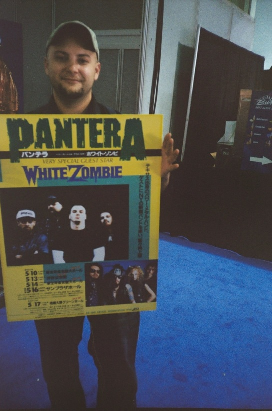This Pleyer has a 94 Pantera Japan Poster!